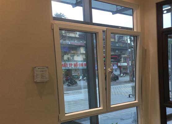 Cửa sổ mở quay lật vào trong nhựa uPVC