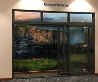 cửa trượt 3 ray nhôm Eurowindow